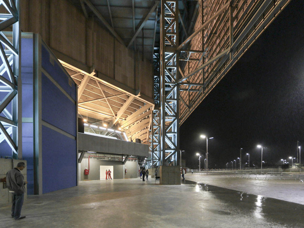 http://architectureofthegames.net/wp-content/uploads/2016/07/Rio-2016-Future-Arena-Handball-3.jpg