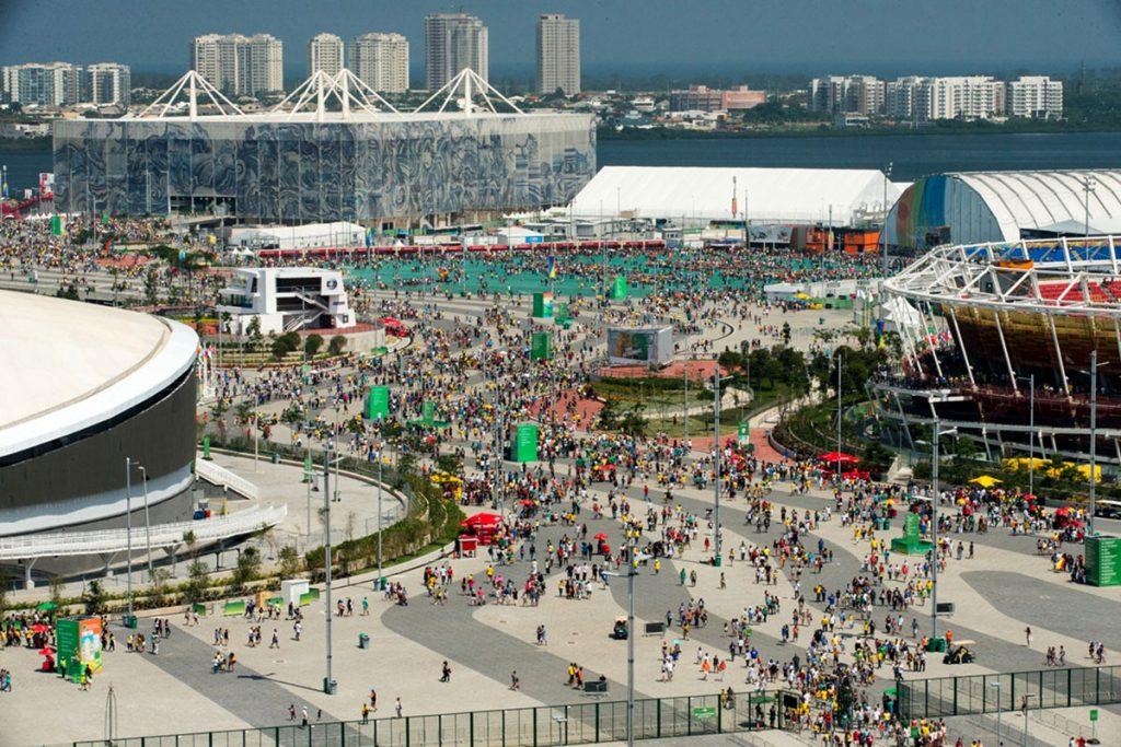 11 de setembro de 2016, Parque Olímpico da Barra recebe grande fluxo de espectadores em domingo de Sol e competições dos Jogos Paralímpicos Rio 2016. Photo: Brasil2016/AndreMotta.